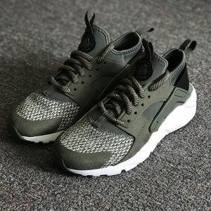 Nike Huarache Run Ultra SE